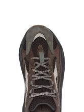 Yeezy кроссовки 700 V2 Geode из коллаборации с Yeezy