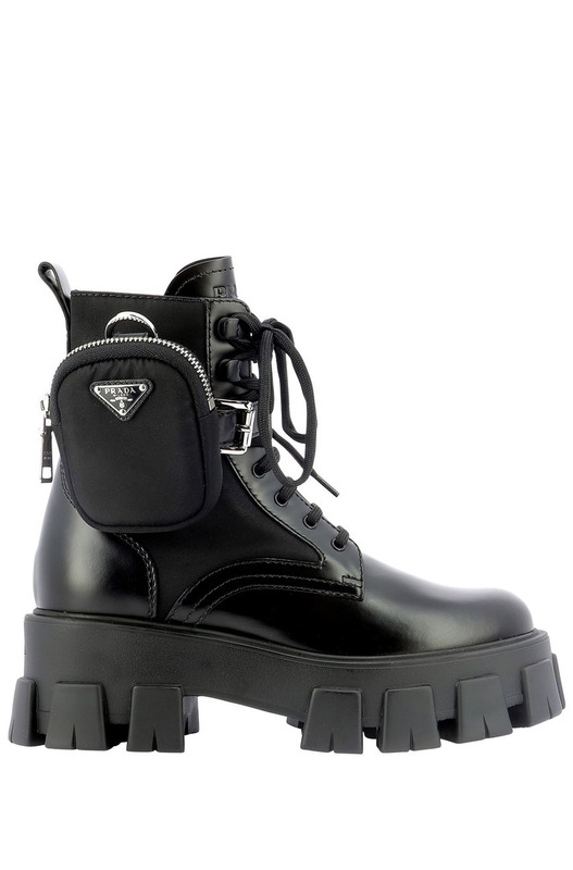Ботинки в стиле милитари с сумкой Prada, фото