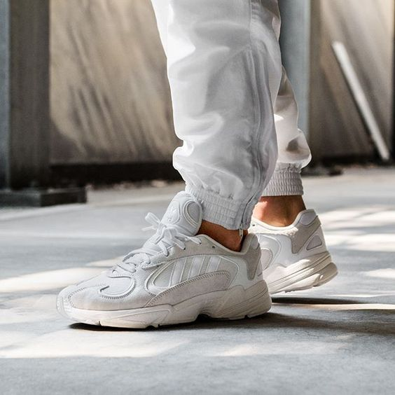 adidas Yung-1 в расцветке Off White/Ice Mint