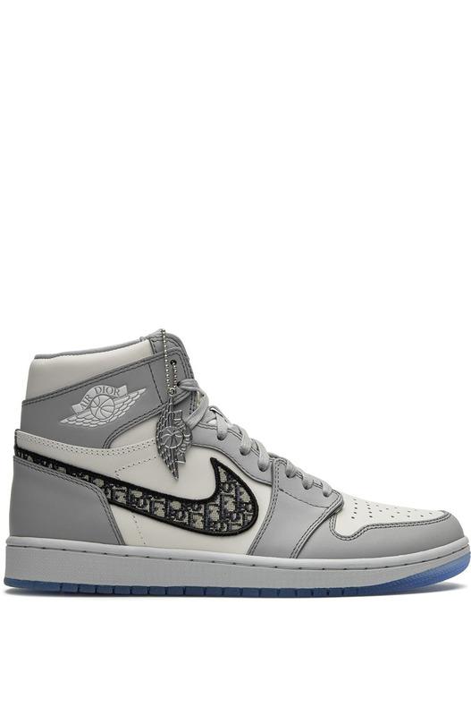 Кроссовки Air Jordan 1 High из коллаборации с Dior Nike, фото